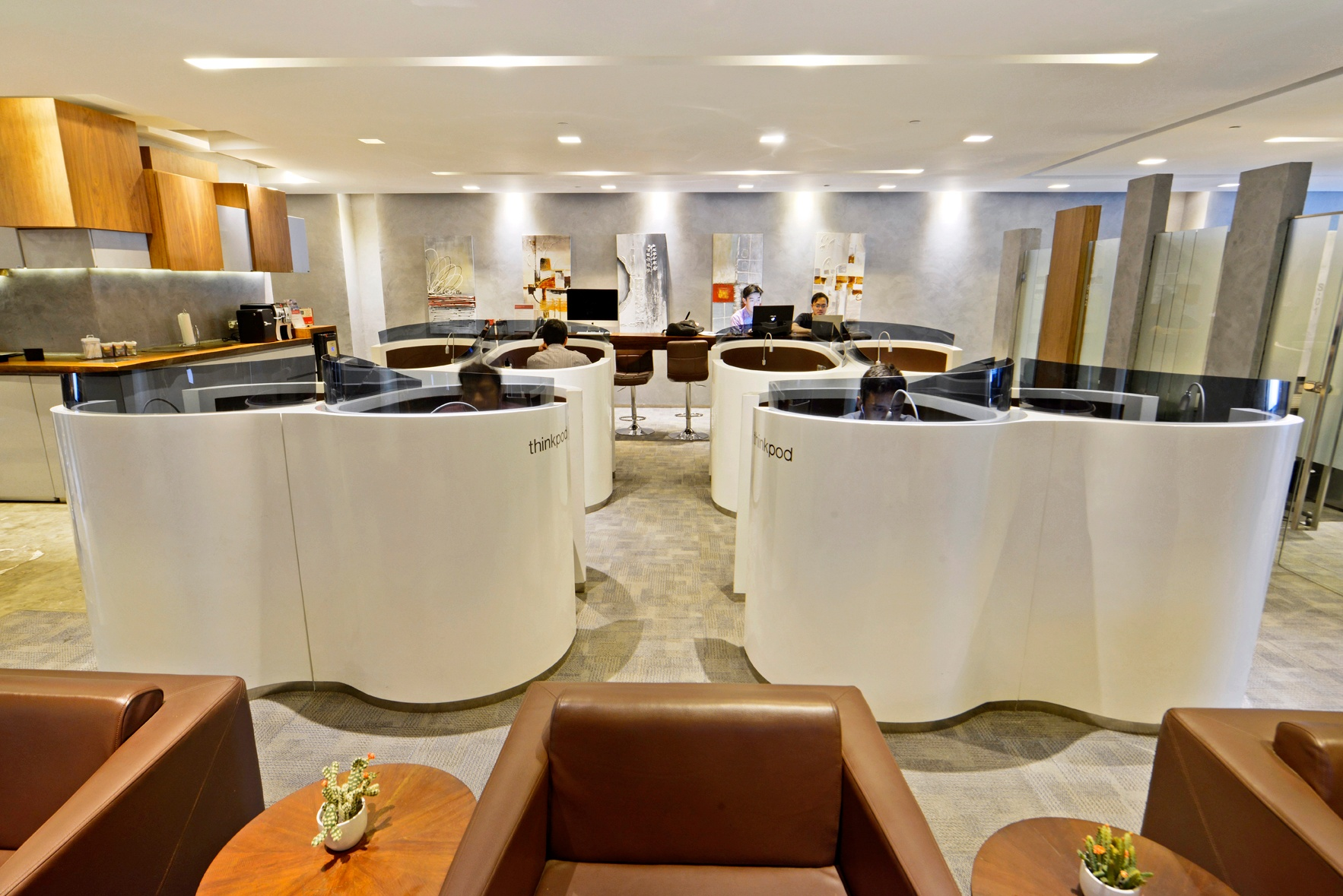 Beltway business lounge__