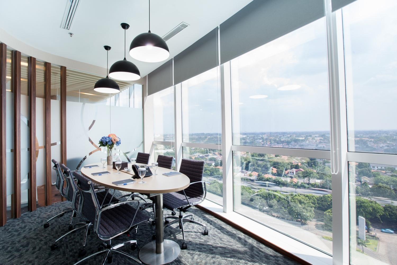 Servio Serviced Office meeting room