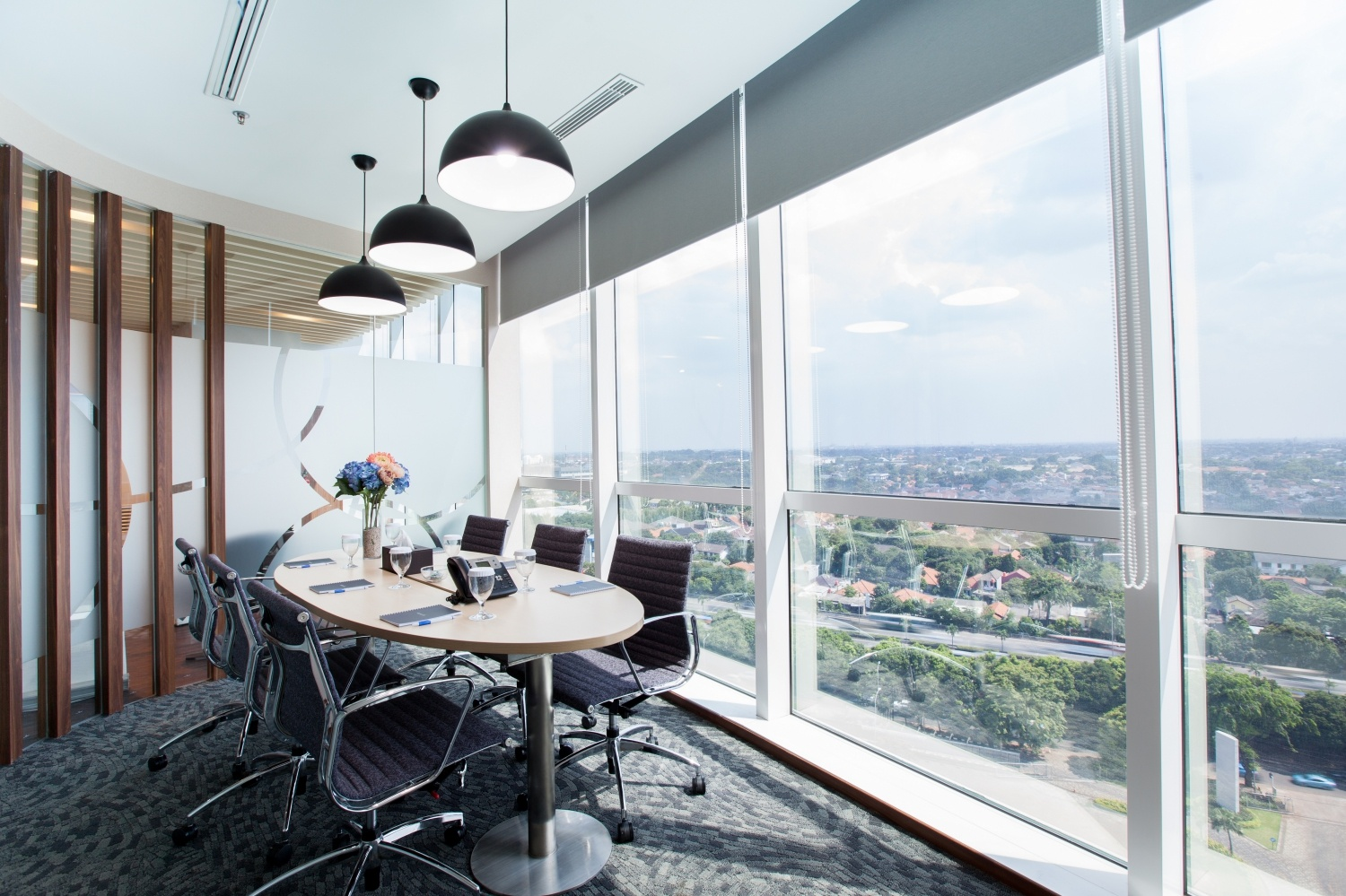 Servio Serviced Office meeting room