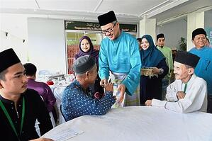 petronas iftar with underpriviledged