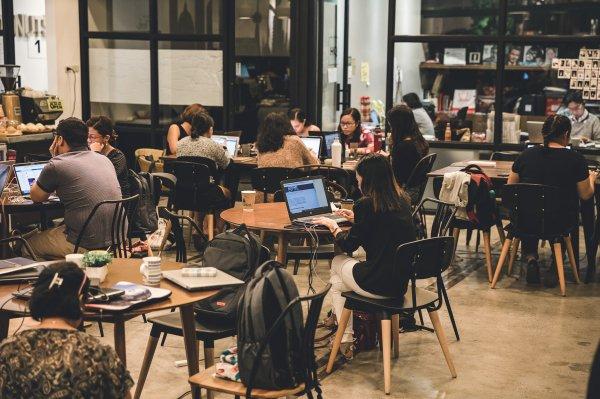 Accelerate coworking space in Makati