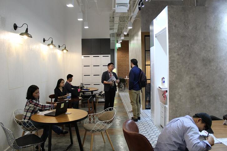 the study by enderun coworking desks