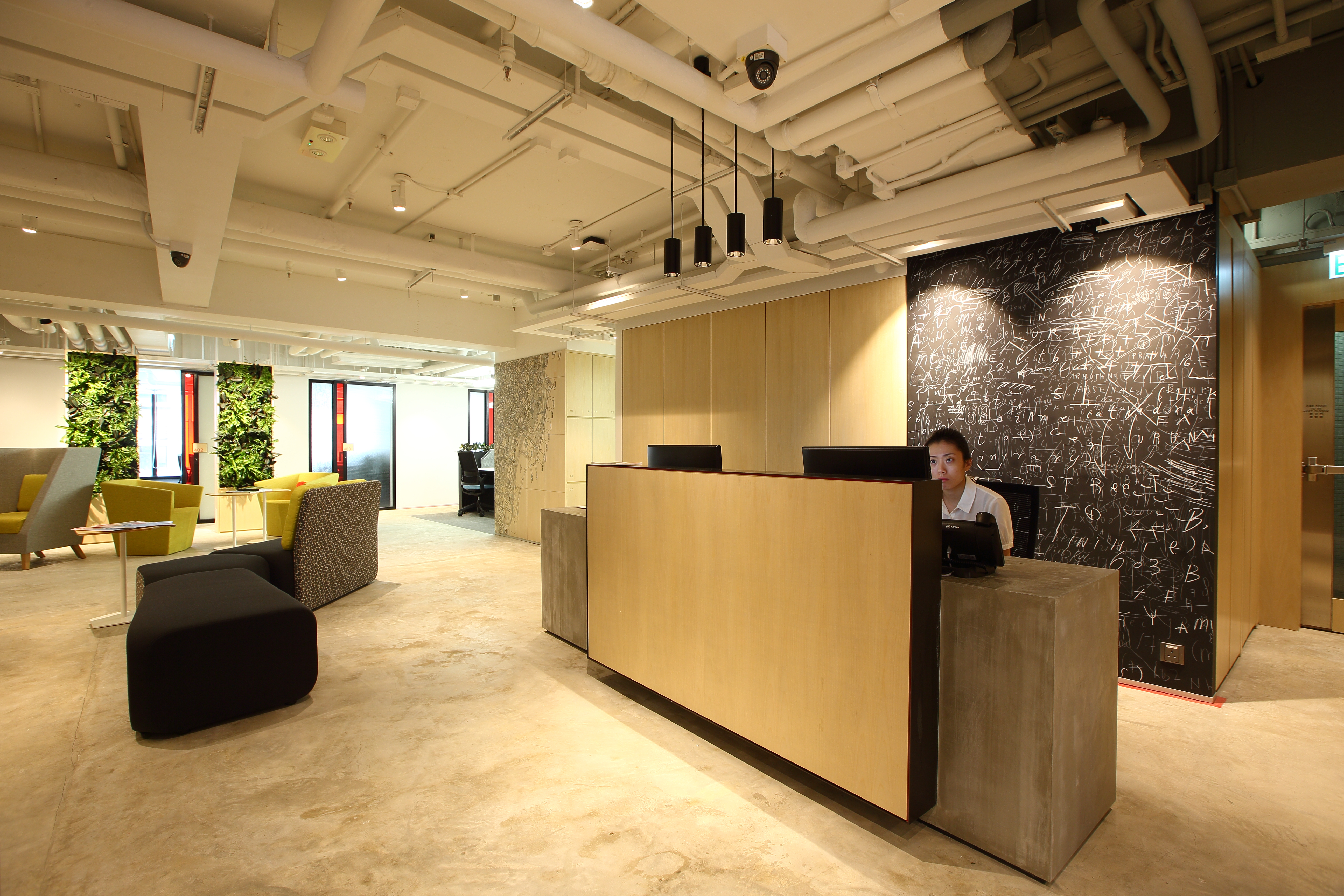 urban serviced offices hong kong
